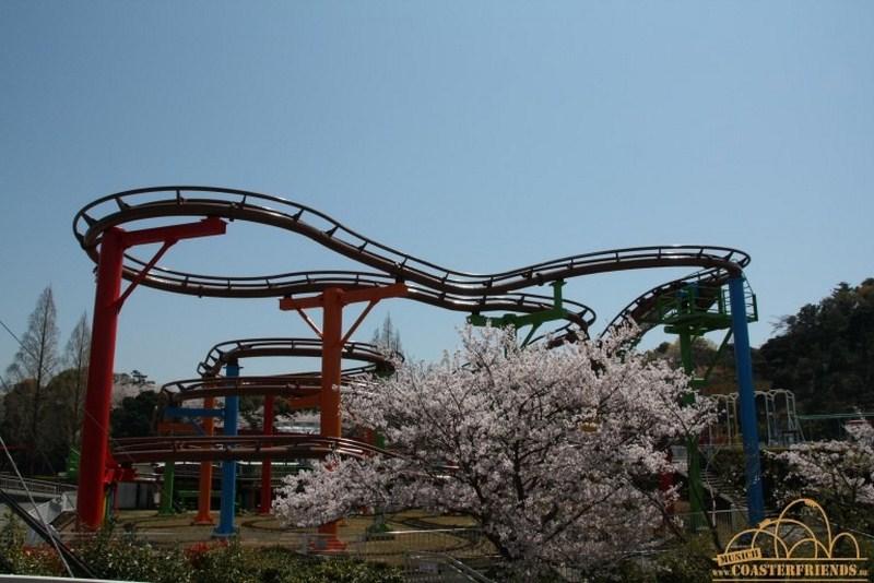 Asien - https://coasterfriends.de/joomla//images/pcp_parkdetails/asien/o1855_misaki_park/content3.jpg