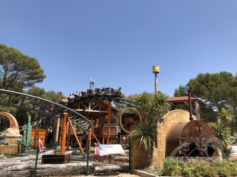 Europa - https://coasterfriends.de/joomla//images/pcp_parkdetails/europa/o2015_ok_corral/content3.jpg