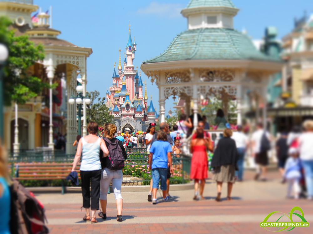 Europa - https://coasterfriends.de/joomla//images/pcp_parkdetails/europa/o600_disneyland_paris_-_disneyland_park/content3.jpg