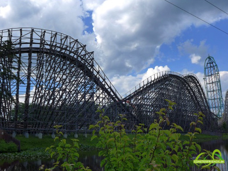 Nordamerika - https://coasterfriends.de/joomla//images/pcp_parkdetails/nordamerika/o2603_six_flags_great_adventure/content2.jpg